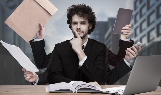 婚活 二股 特徴 仕事が忙しい男性