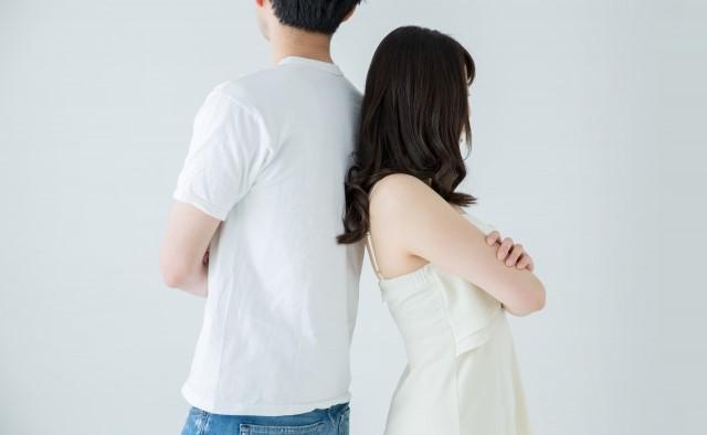 婚活 断り方 例文 背を向ける男女